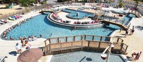 Ontdek camping Mas des Lavandes ✓ Zwembadcomplex met glijbanen en speeltoestel ✓ Stacaravans in 'Roan' Village ✓ Op loopafstand van Valras-Plage.