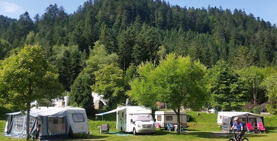 Camping Domaine du Haut des Bluches in La Bresse is een bergcamping in de Vogezen met directe toegang tot vele wandelingen in de Lorraine.