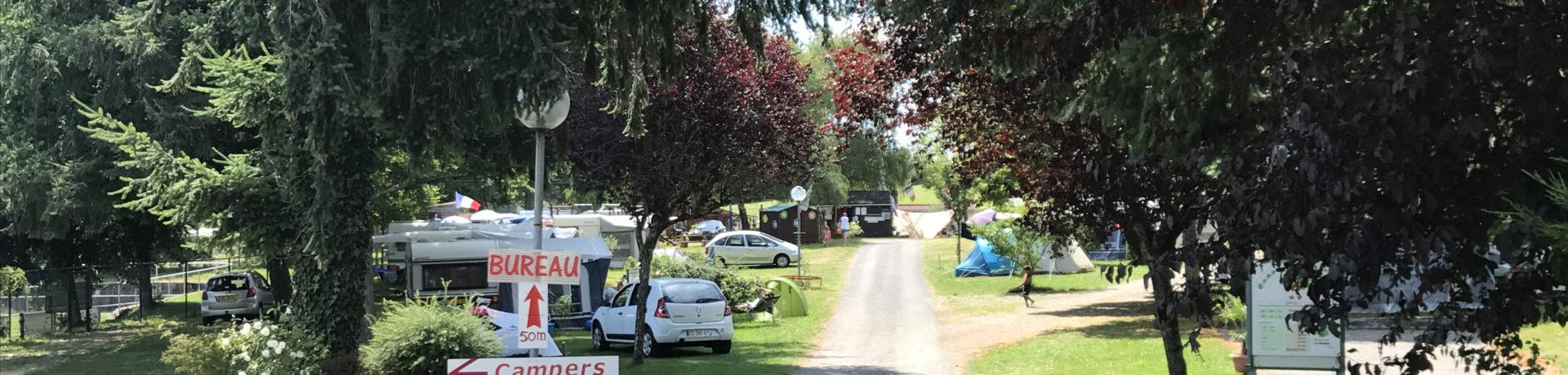 Op Camping La Bedure in Luzy (Bourgogne) kun je heerlijk een paar weken tot rust komen met de tent, camper of caravan. Er zijn 50 ruime kampeerplaatsen.