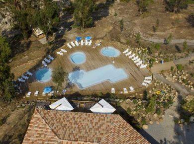 Terras en zwembad Sole di Sari