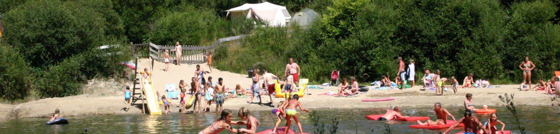 Camping Goudal in La Salvetat-sur-Agout is een landelijk gelegen charme camping met zwembad in het departement Hérault gelegen aan een zwemmeer.