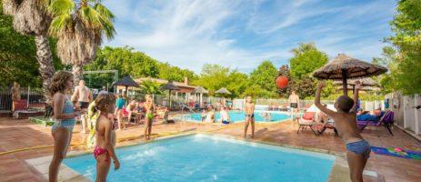 Camping le Moulin de Sainte Anne is een kleine, rustige camping met zwembad in de Aude bij het dorpje Villegly en Minervois.