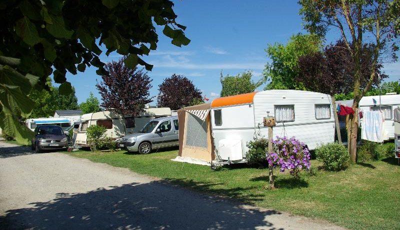 Camping Le Tenzor de la Baie is een kleinschalige, sfeervolle groene camping in Bretagne met zwembad gelegen tussen Saint-Malo en de Mont-Saint-Michel.