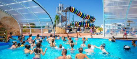 Camping Le Bahamas Beach is een familiecamping met overdekbaar zwembad op steenworp afstand van de Atlantische kust met haar zandstranden in de Vendée.