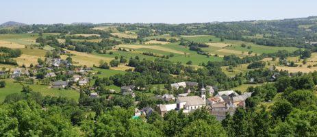 Camping de la Haute Sioule is een familiecamping in het hart van het natuurgebied in de Puy-de-Dôme met uitzicht op het vulkanisch gebergte in de Auvergne.