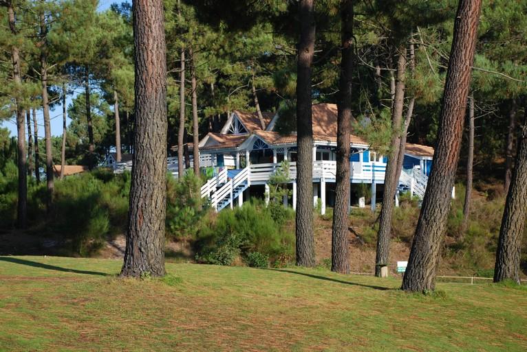 Leadingcourses.com on Twitter: La Jenny Naturist Golf