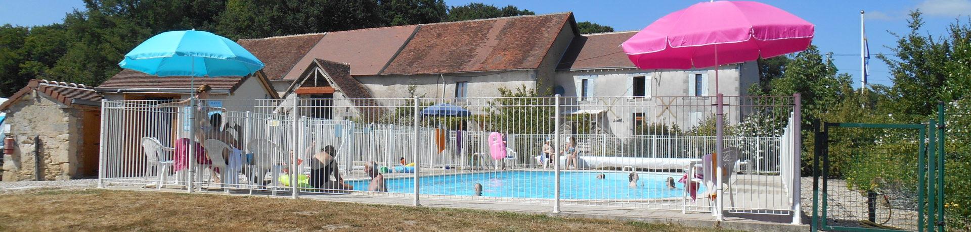 Deze gezellige kleine familiecamping met verwarmd zwembadin Eguzon ligtvlakbij het meer de Creuse, grenzend aan de Limousin, midden Frankrijk.