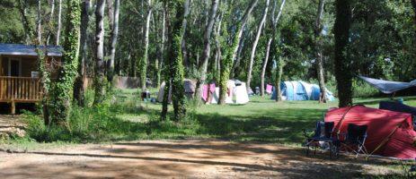 Camping L'Art de Vivre in Châteauneuf-du-Pape is gastvrije camping in het hart van de Provence aan de oever van de rivier de Rhône in de Vaucluse.