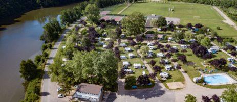 Camping de la Moselle is een warme familiecamping met zwembad gelegen aan de rivier de Moezel in de regio Lorraine.