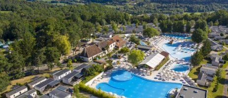 Camping Le Grand Dague is een mooie kindvriendelijke familiecamping in de Dordogne met zwembad midden in de natuur van de Périgord Blanc bij Périgueux.