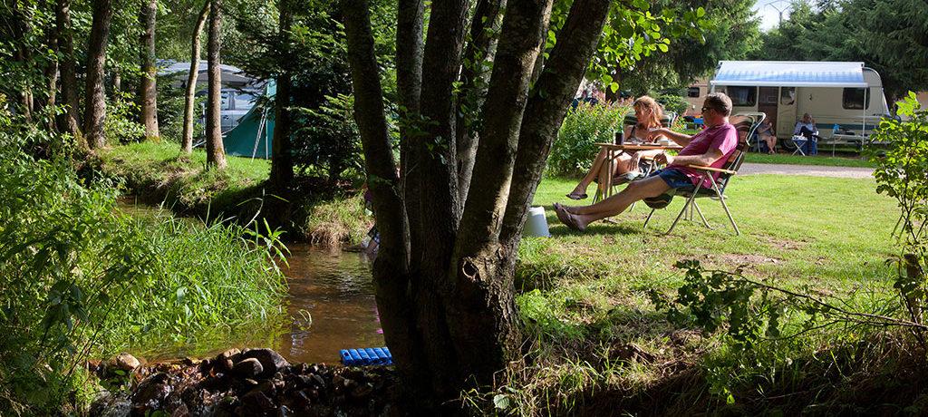 Camping Au Clos de la Chaume in Corcieux is een gezinscamping op 10 minuten van Gérardmer in de Vogezen gelegen in een natuurpark in de Lorraine.