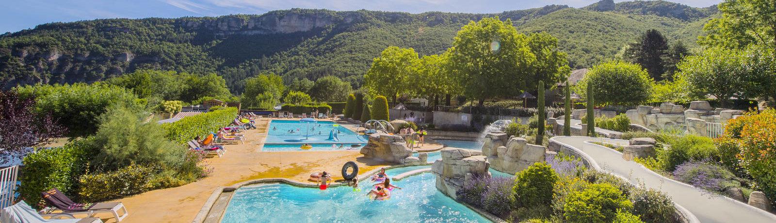 Midden in het ongerepte natuurgebied Les Grands Causses vind je het kindvriendelijke vakantiepark RCN Val de Cantobre, een Nederlandse kwaliteitscamping!