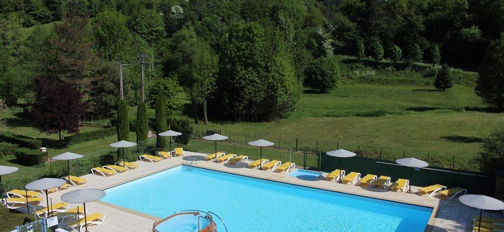 De kindvriendelijke Camping le Moulin de Serre is een rustige en groene camping met verwarmd zwembad gelegen aan een rivier in de Puy-de-Dôme (Auvergne).