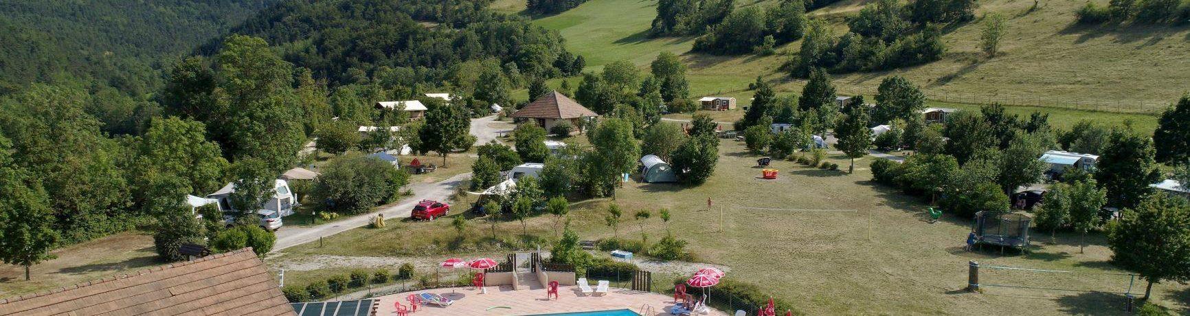 Camping Belle Roche in Lalley is een kalme camping op 65 kilometer van Grenoble aan de voet van de Col de la Croix Haute in de Isère in de Rhône-Alpes.