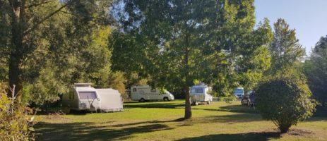 Camping Parc des Cygnes in Amiens is een natuurcamping in het hart van Picardie in de Somme vlakbij tal van activiteiten.
