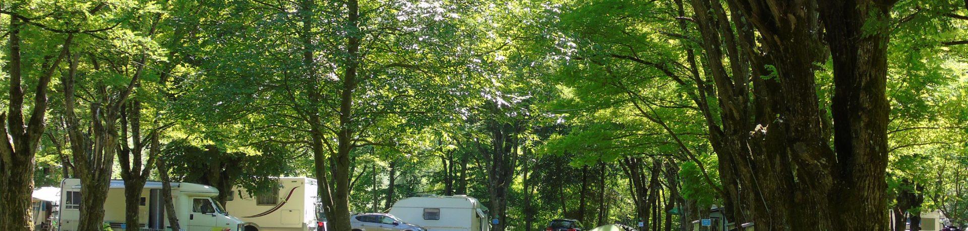 Camping Belle Rive in Saint-Côme-d'Olt is een natuurcamping gelegen in de groene Lot-vallei in de Aveyron aan de voet van de Aubrac in de Midi-Pyrénées.