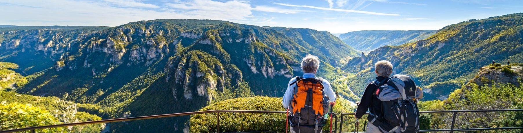 Camping Huttopia Gorges du Tarn in Les Vignes is een 3-sterrencamping in de Gorges du Tarn in de Lozère. Kom genieten van de rust en de natuur op deze camping.
