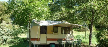 Camping L'Arrayade in Ger is een rustige camping gelegen aan het water in de Hautes-Pyrénées. De ideale uitvalsbasis om de omgeving te ontdekken.