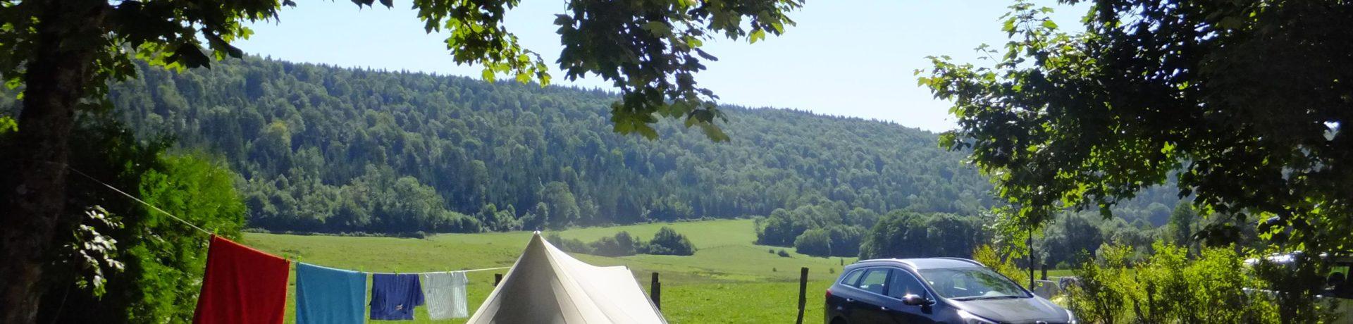 Fraaie natuurcamping in Bourgogne-Franche-Comté op het platteland van de Jura.