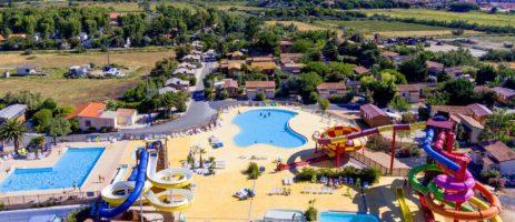 Camping Domaine Las Bousigues in Le Barcarès is een gezellige camping aan de Middellandse zee in de Languedoc-Roussillon met een gaaf zwemparadijs.