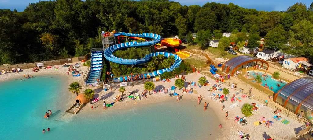 Camping Les Chênes in Médis is een gezinscamping op 5 kilometer van het strand in de Charente-Maritime. Het zwemparadijs is een plezier voor jong en oud.
