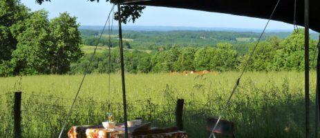 Sites et Paysages Les Hirondelles is een mooie kleine natuurcamping gelegen in de Midi-Pyrenées.