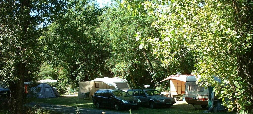 Camping le Moulin de Julien is een prachtige familiecamping gelegen bij de middeleeuwse stad Cordes-sur-Ciel in Midi-Pyrénées. Deze camping is rijk aan prachtige natuur en een mooie omgeving.