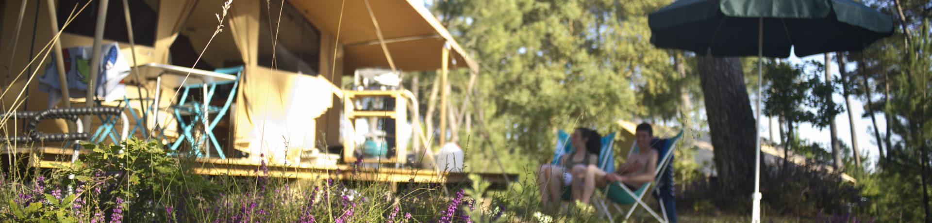 Camping Landes Sud is een mooie natuurcamping gelegen in de Landes op een paar kilometer van de oceaan. Op een kampeerplaats op deze camping sta je in een prachtig natuurgebied tussen verschillende soorten bomen, aan een per kano bevaarbare rivier die uitmondt in de Atlantische oceaan.