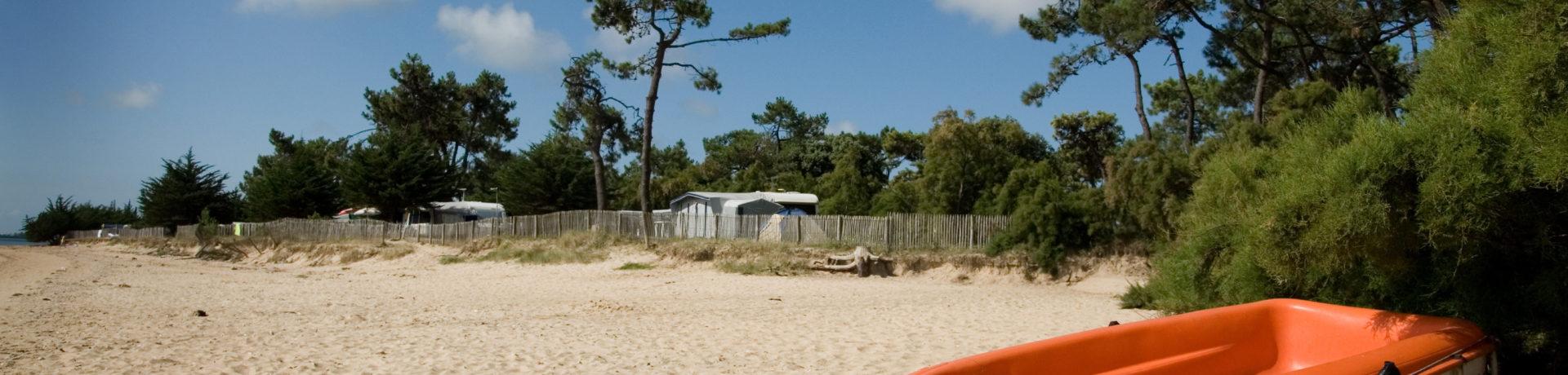 Camping Huttopia Noirmoutier op Noirmoutier-en-l'Ile is een sfeervolle eilandcamping op het eiland Île de Noirmoutier in het departement Vendée.