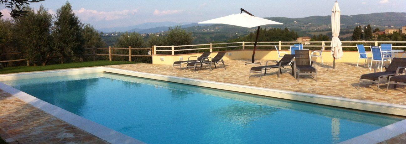 Agricamping Romita is een rustig gelegen, kleine natuurcamping met niet meer dan 25 plaatsen en moois safaritenten in de groene heuvels van Toscane tussen.