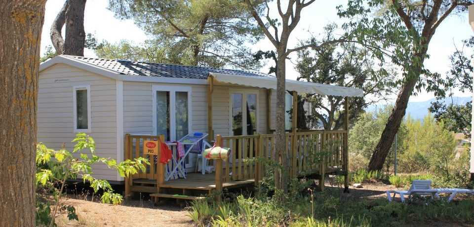 Camping Luberon Parc is een zeer verzorgde familiecamping met zwembad in Frankrijk gelegen in het zonnige Provence op 30 km van Aix-en-Provence.