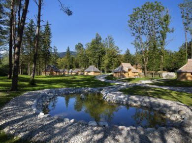 Eco Resort Beneath Velika Planina in Stahovica is een kindvriendelijk ecocamping in Osrednjeslovenska, gelegen in de bergen.