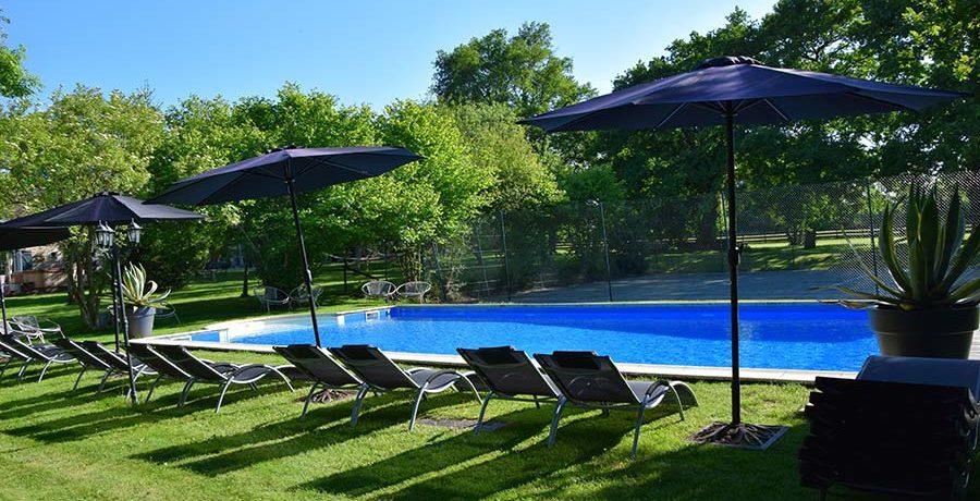 Maison Voilà biedt een rustieke mini-camping in Indre met zwembad in de prachtige groene regio Centre, Midden-Frankrijk.