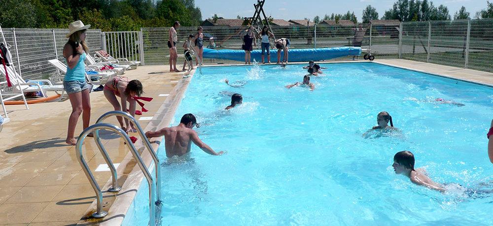 Kleine camping met zwembad in de Vendée op een half uur rijden van de kust.