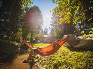 Camping Menina ligt in een uitzonderlijke omgeving, dichtbij de rivier Savinja en middenin de bergen.