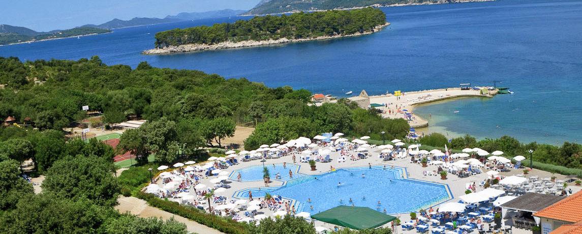 Camping Solitudo in Dubrovnik is een camping met zwembad in Kroatië op vijf minuten van het strand aan de kust van Dalmatië.