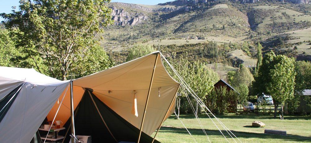 Camping La Cascade in Meyrueis is een eco-camping in het departement Lozère en wordt omgeven door de schitterende Franse natuur.