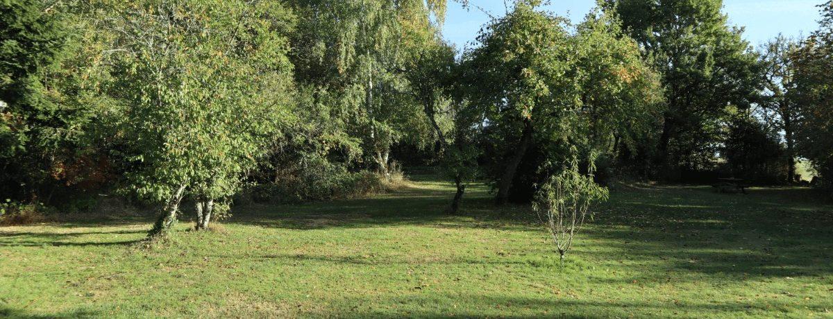 Camping Entre les Sources is een kleine boerencamping in de Vogezen met mooie plekjes. De omgeving biedt aan fietsers en wandelaars volop mogelijkheden.