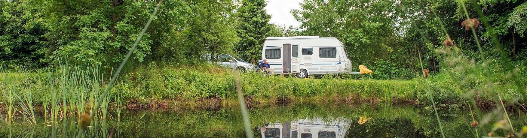 Landgoed Tolhek in ist ein Charme Camping in Drente am Wald.