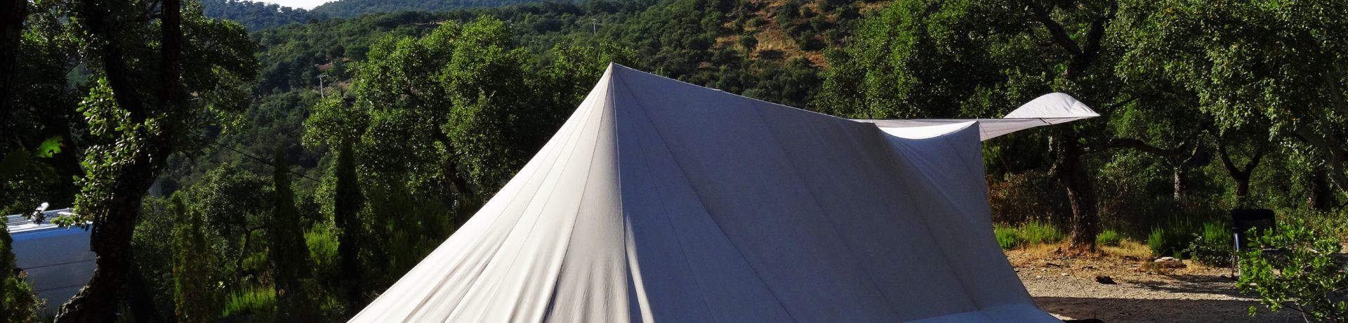 Camping Al Comu in Llauro is een mooie charme camping gelegen in Pyrénées-Orientales in de regio Languedoc-Roussillon.