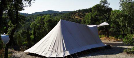 Camping Al Comu in Llauro is een kleine camping de Pyrénées-Orientales van Nederlandse eigenaren gelegen in de regio Languedoc-Roussillon vlak bij de Middelandse Zee.