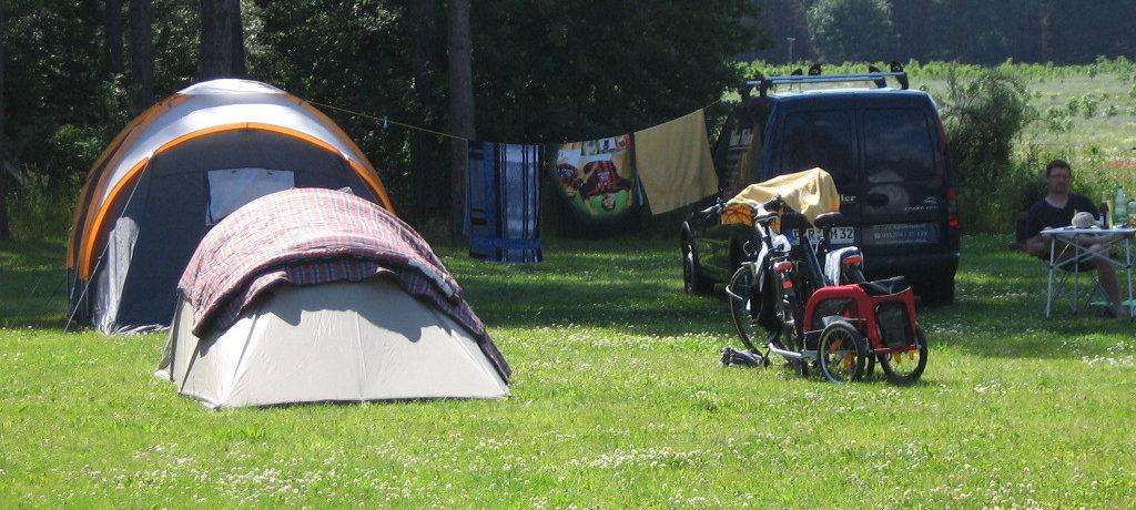 Campingpark Buntspecht in Ferchesar ist ein Charme Camping in Brandenburg am Wald.