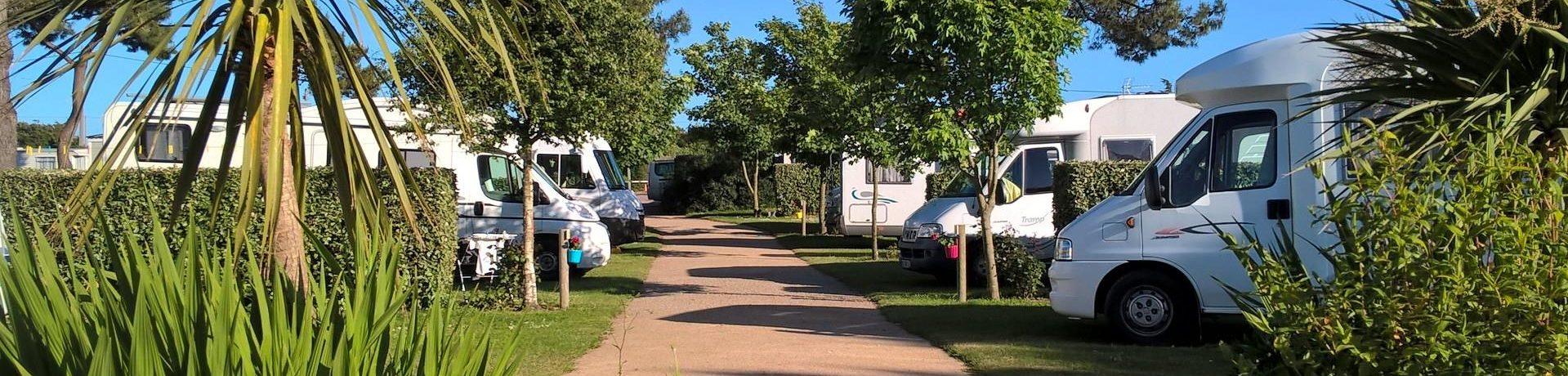 Camping De La Plage is een fijne kleine aan zee in Fermanville in de regio Normandië met 15 toerplaatsen en 14 huuraccommodaties.