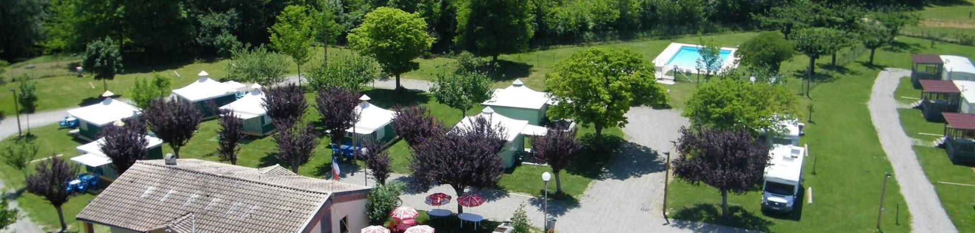 Camping Les Eychecadous is een heerlijke natuurcamping in Artigat aan een rivier in de regio/provincie Midi-Pyrénées met 36 kampeerplaatsen en 3 huuraccommodaties.