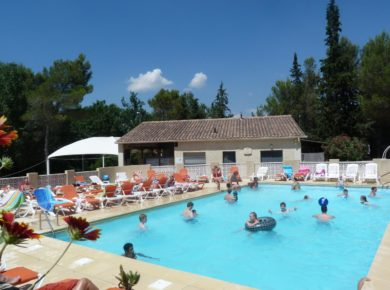 Camping l'Ayguette in Faucon is een gezellige familiecamping in de Vaucluse in Provence-Alpes-Côte-d'Azur.