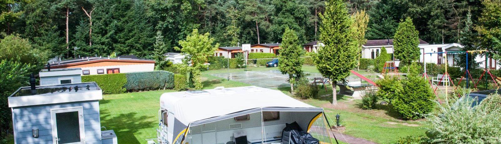 Recreatiepark Boslust is een heerlijke natuurcamping in Putten op het platteland in Gelderland met 10 kampeerplaatsen en 15 huuraccommodaties.