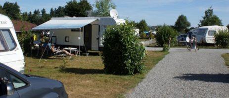 Camping des Alouettes in Cognac-la-Forêt ligt in het regionale natuurpark Périgord-Limousin op 25 km ten westen van Limoges.