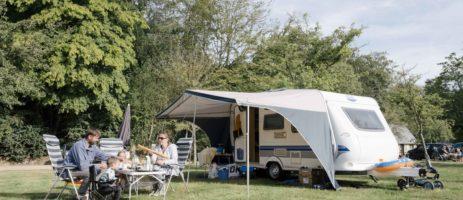Camping Huttopia Calvados - Normandie is een charme camping in Normandië op circa 20 km van de Normandische kust.