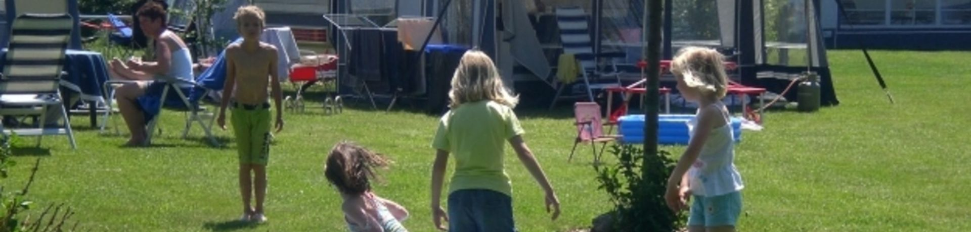 Minicamping Loeksham in Emmen ist ein Charme Camping in Drente.