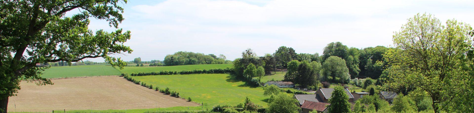 Natuurkampeerterrein Hoeve Krekelberg in Schinnen is centraal gelegen in het Zuid-Limburgse heuvelland, midden in landschapspark De Graven.
